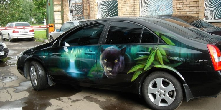 Airbrush car paint
